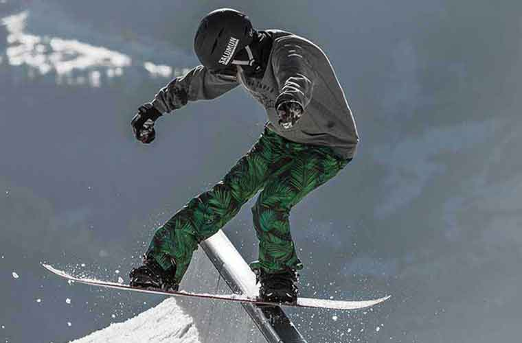 Teenagers Snowboard Lessons in Tignes image of